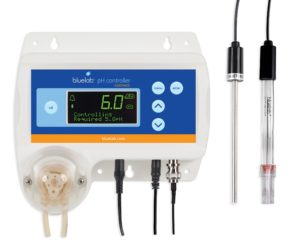 Bluelab CONTPH pH Controller with hands-free monitoring